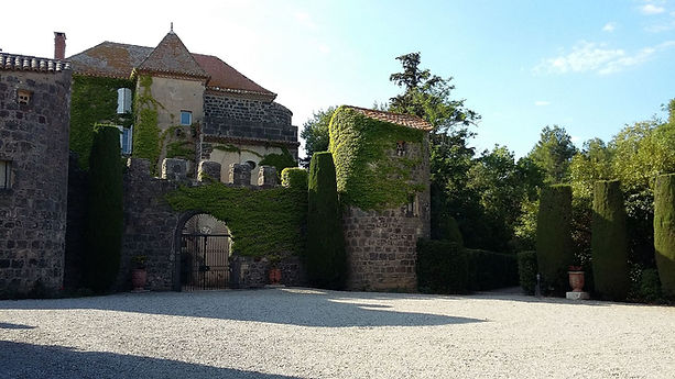 Château_de_Preignes-le-Vieux.jpg