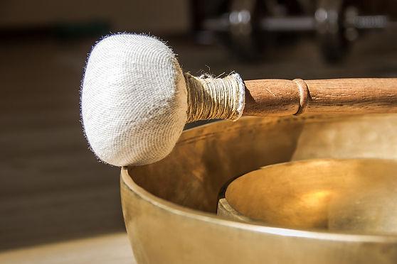 singing-bowl-4595876_1920.jpg