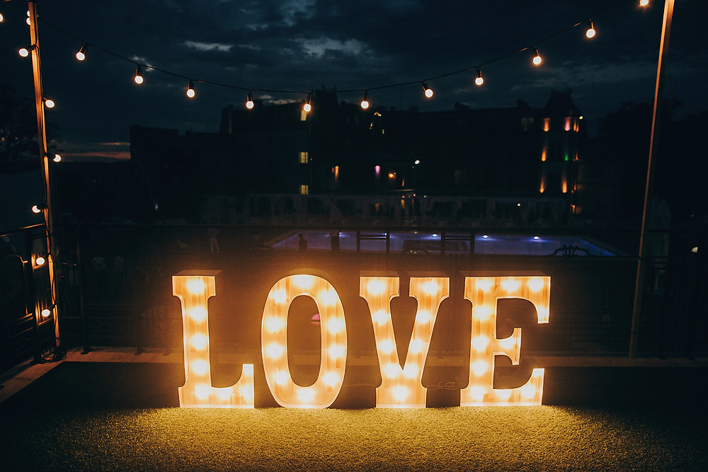 Décoration mariage lettres lumineuses LOVE