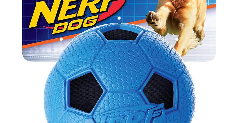 Soccer Crunch Ball de Nerf Dog