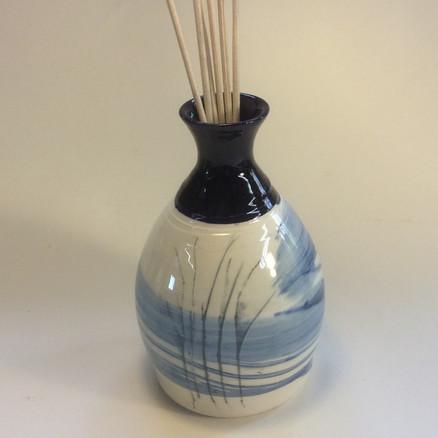 Bottle blue'willow pattern'