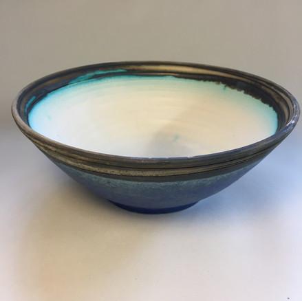 Shallow bowl exterior copper rim