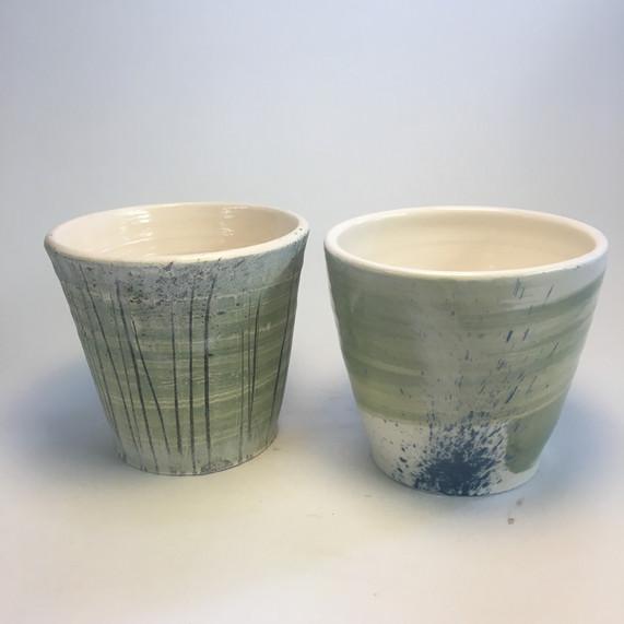 Small beakers slip decoration