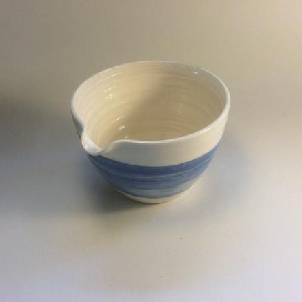 Pouring bowl medium