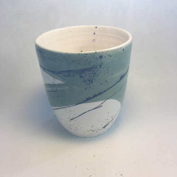 Deep vase blue splash