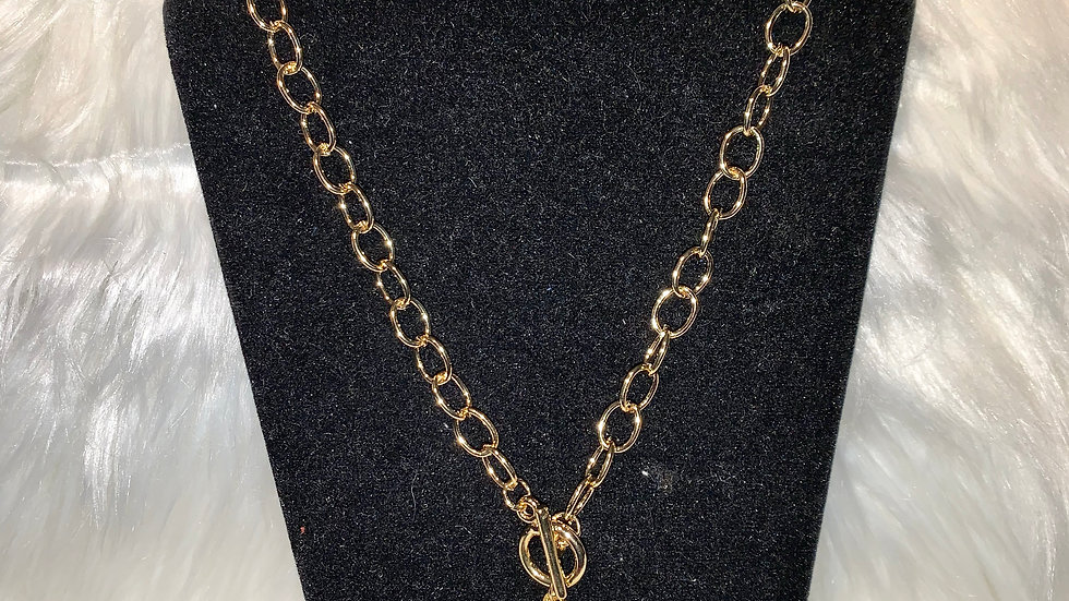 Philo shield chain necklace