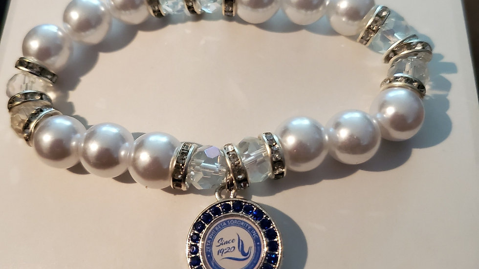 Zeta Pearl Dove Bracelet