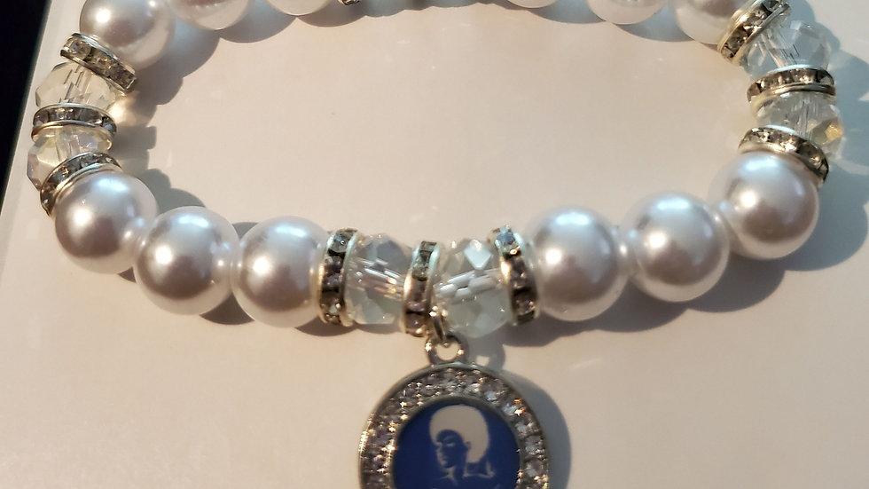 Zeta Lady Pearl Bracelet