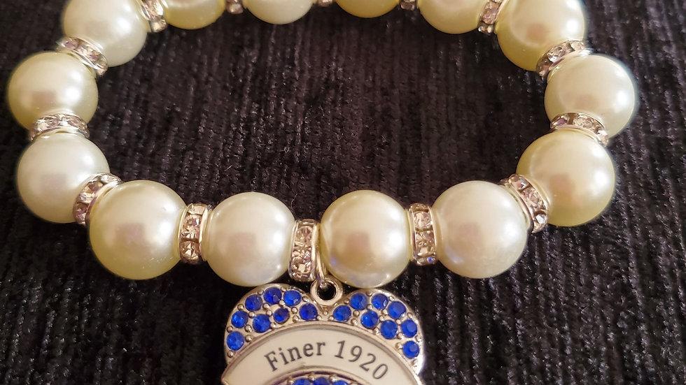 Finer 1920 Heart Pearl Bracelet