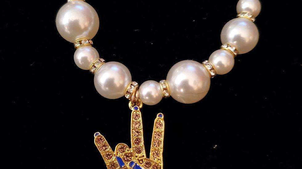 Sgrho Pearl Hand Bracelet
