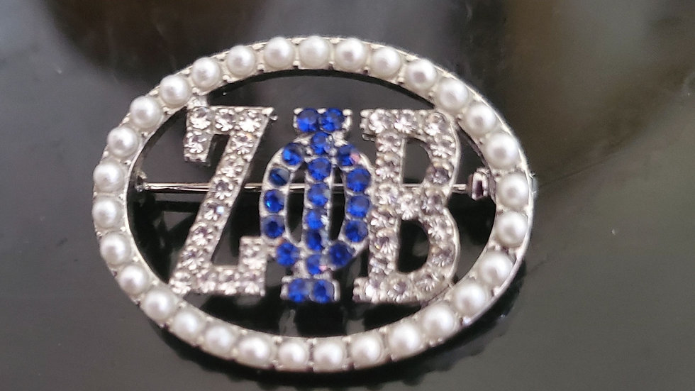 Zeta pearl bling brooch