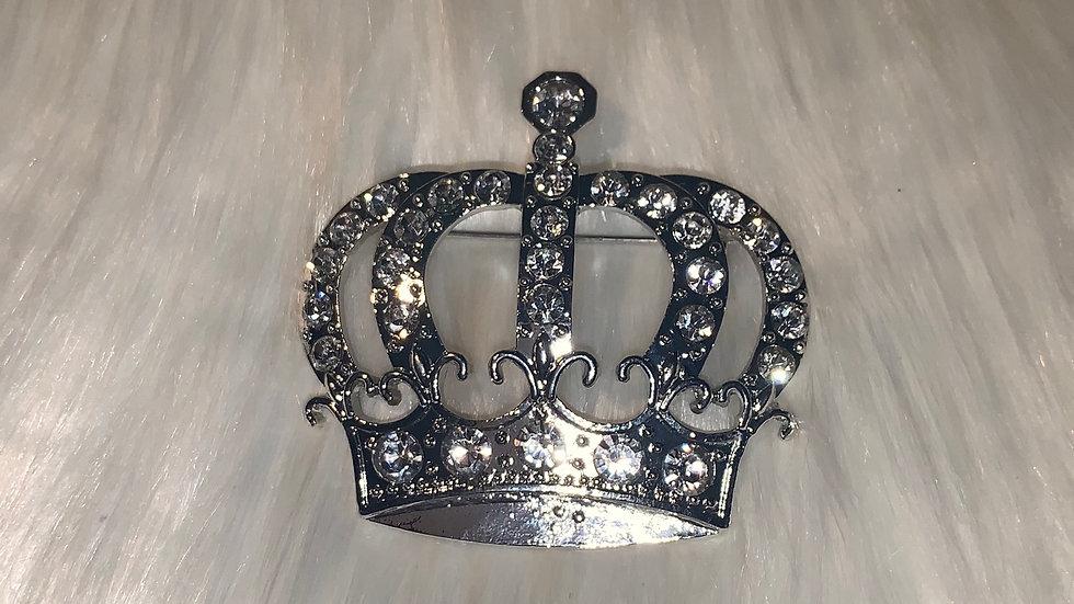Silver crown pin