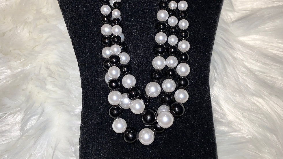 White and black pearl set