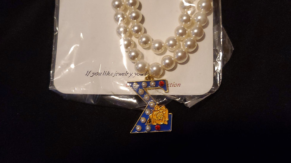 Sgrho Sigma Pearl Necklace