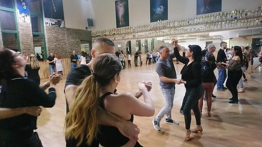 שיעורי ריקוד סלסה קובנית