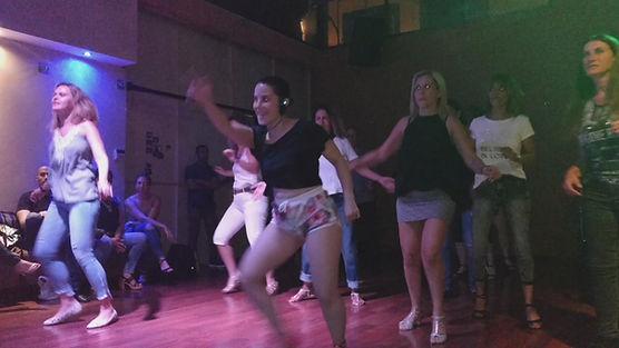 שיעורי ריקוד לנשים