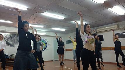 חוג ריקוד לבנות ונשים