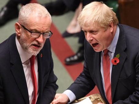 Presvedčivé víťazstvo Borisa Johnsona v predčasných bristkých voľbách