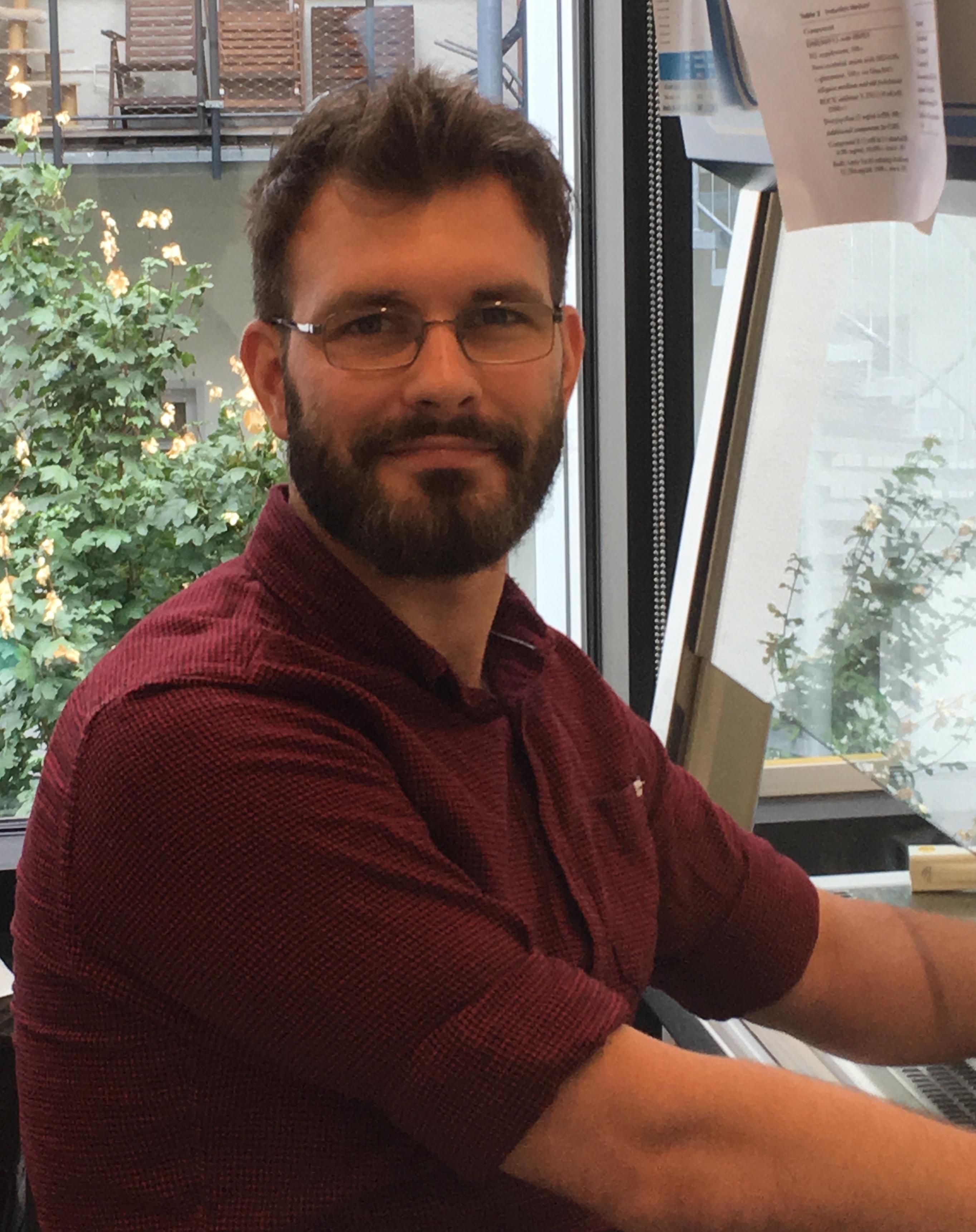 Erik Becher