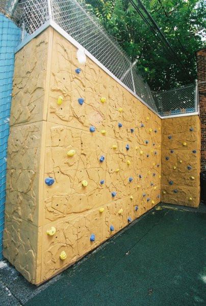 nicros-climbing-wall-easywall panels.jpg