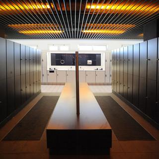 locker and bench.jpg