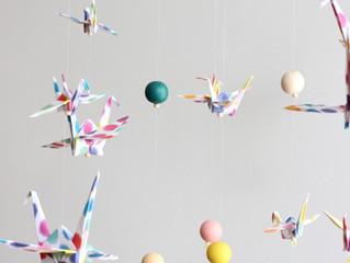 Les 5 bonnes raisons d'opter pour un mobile origami pour son bébé