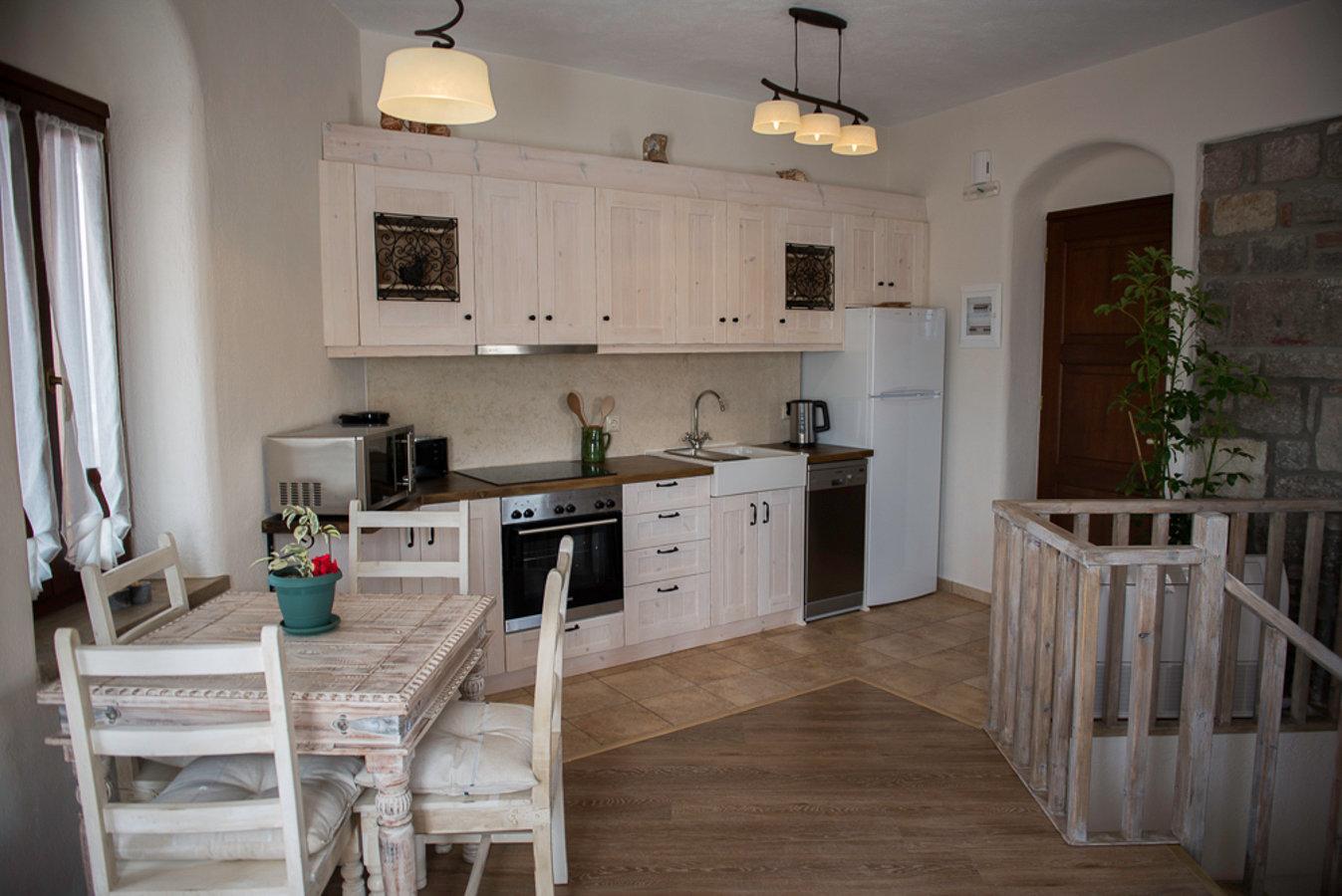 Grand View Rhea - Kitchen