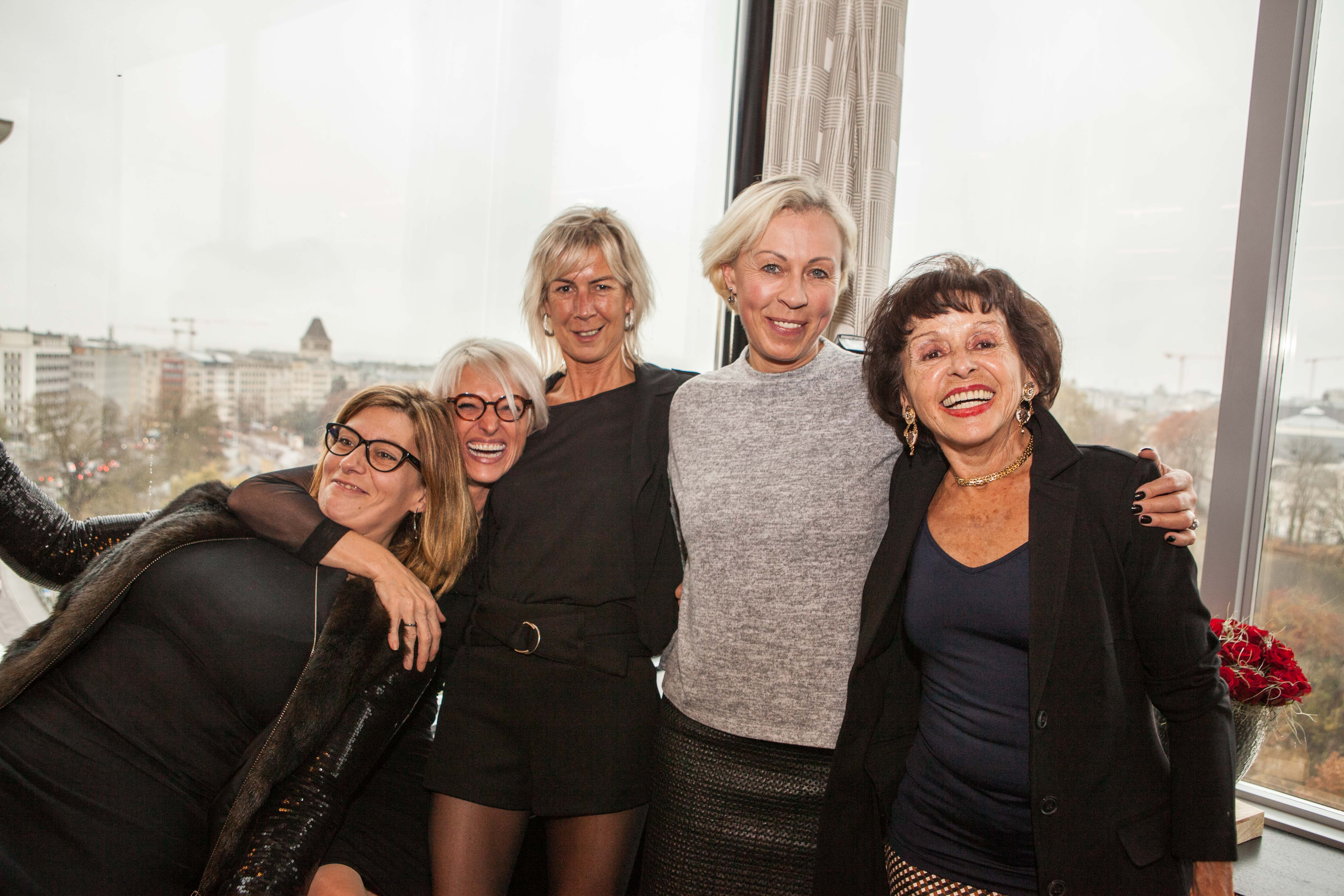 Aurore_DULIEU,_Angélique_LAENEN,_Mariette_DEL_BON,_Sylvie_FASBINDER_et_Poupa_SCHULZ