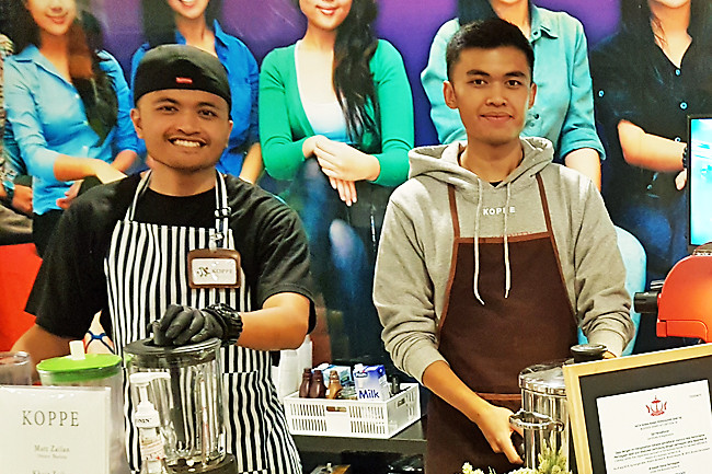 Brothers set up café at college