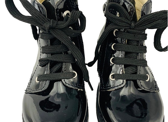Star design lace up boot