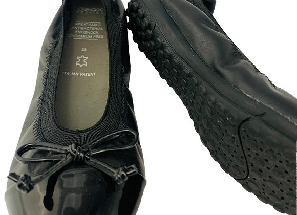 Geox elasticated shoe