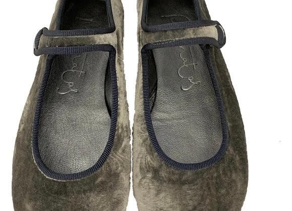 Crushed velvet velcro shoe