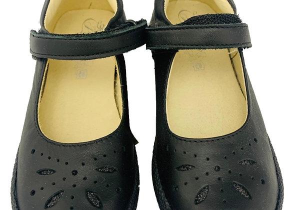 Designed velcro shoe