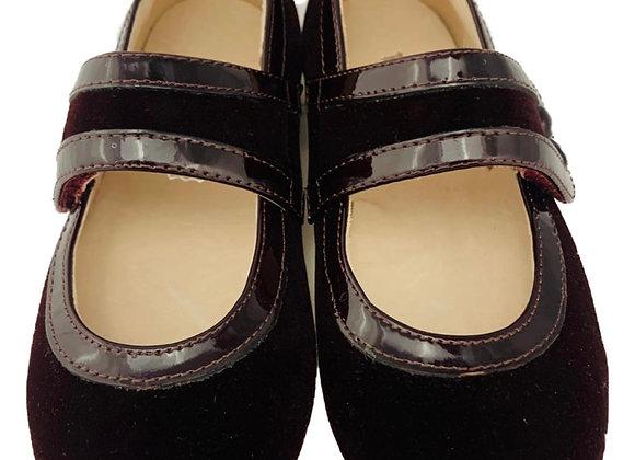 Velvet and patent velcro shoe