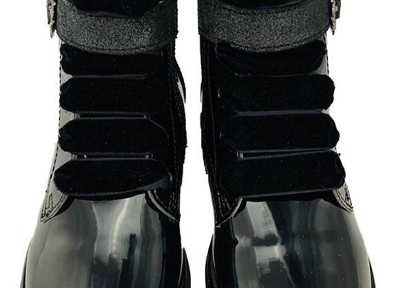 Velvet lace patent boots