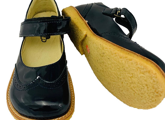 Velcro school shoe