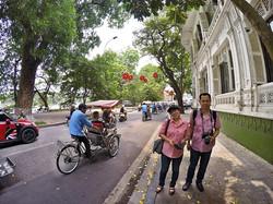 walking tour กรุงฮานอย