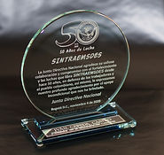 Trofeo con Placa en Plata Alemana Espejo