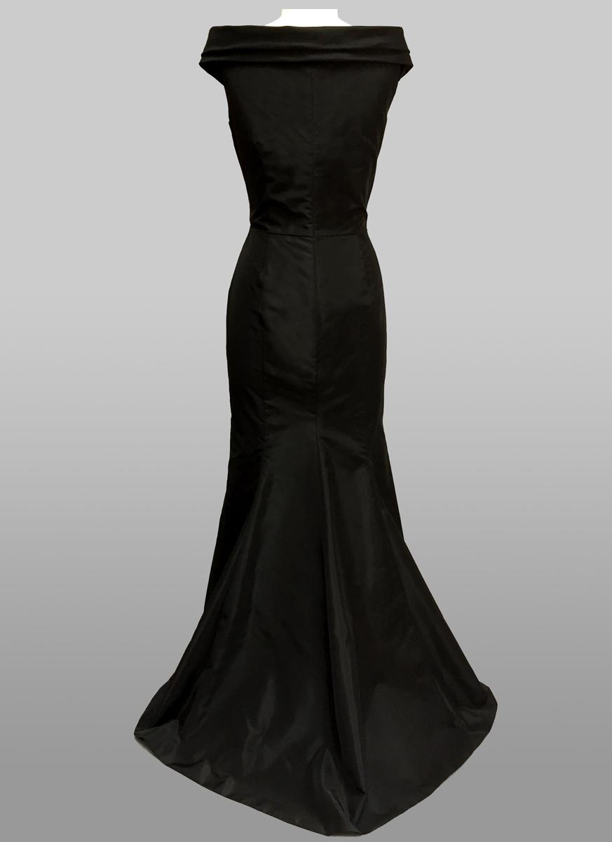 Siri Nanette-Gown