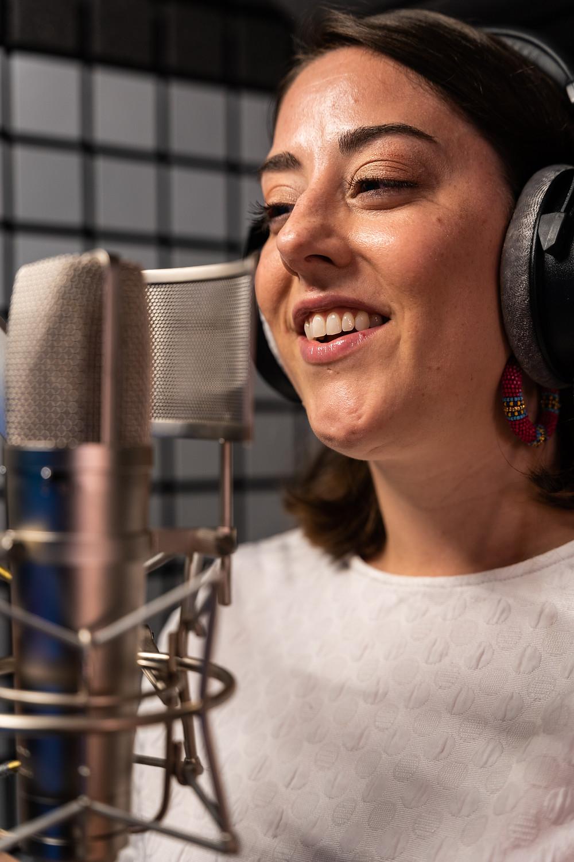 Comédienne voix off anglais, Stephanie Matard