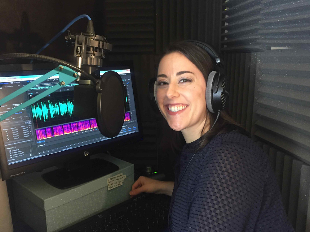 US, English speaking voice over talent, Stephanie MATARD in her home studio