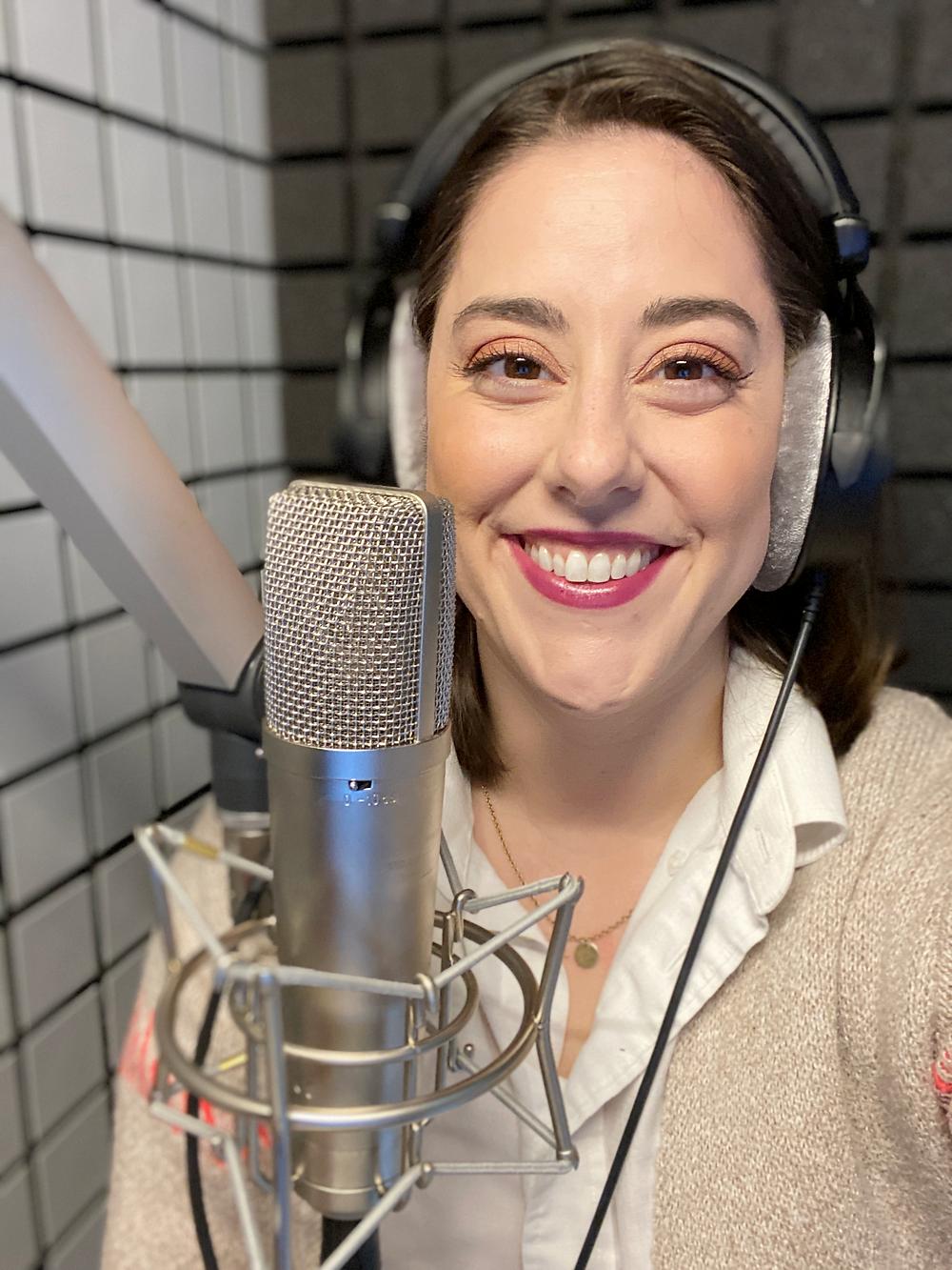 Stephanie Matard, English speaking voice actress in Europe, in her studio