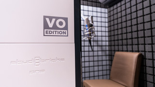 Stephanie_Matard_studio _bricks_voice_over_recording_booth