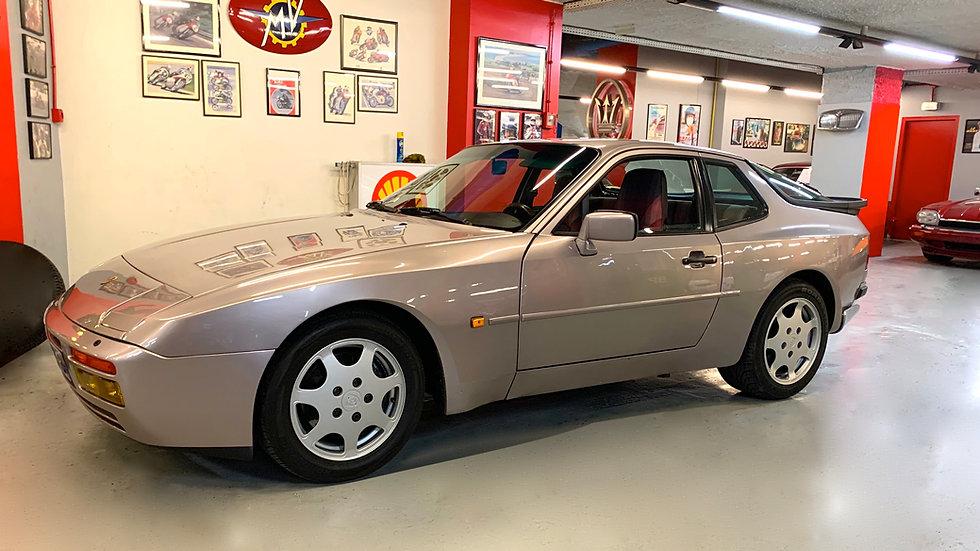 PORSCHE 944 série limitée TURBO Cup