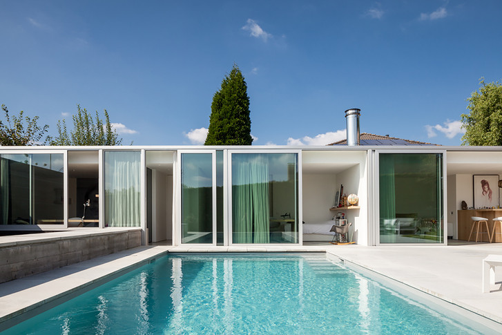 Casa Piscina MRT / Steven Vandenborre Architects