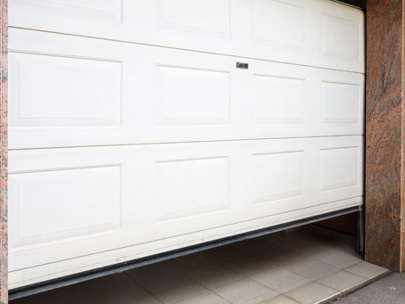 10 Tips to Help You Choose the Right Garage Door for Your Home