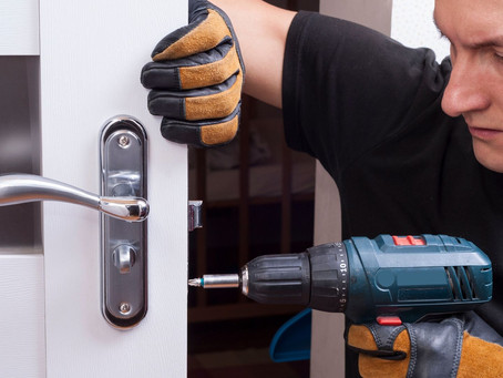 Four Reasons Why You Should Hire a Professional Locksmith to Cut Your Keys