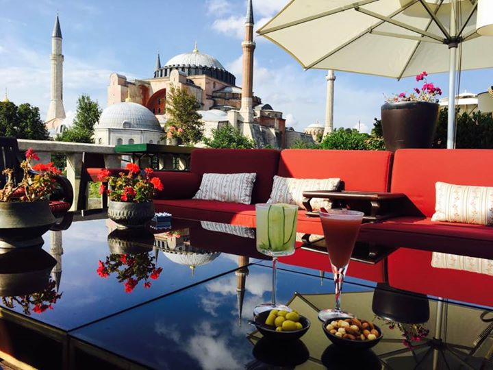 Afternoon drinks from our roof top terrace at the four seasons, we live