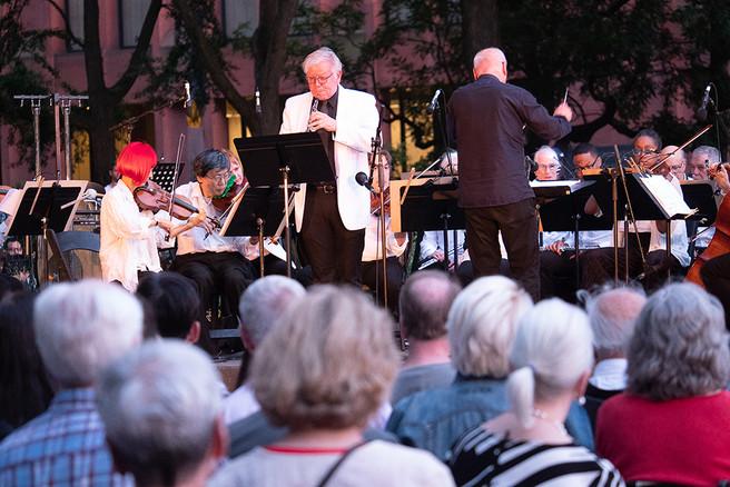 Robert Ingliss, oboe, Lutz Rath, conduct