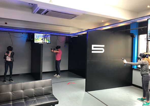 VR Arenas at XP-VR. Play together as a team of up to 6 players.